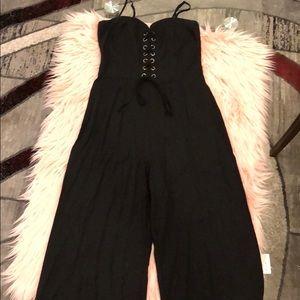 Kendall & Kylie ⚡️ Solid wide leg black jumpsuit ✨